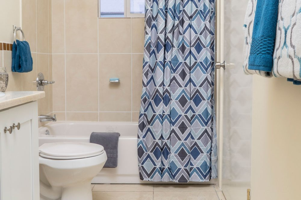 Real estate in jamaica gore developments ltd real for Bathroom ideas in jamaica